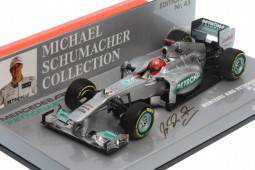 MERCEDES AMG Petronas F1 Team Showcar 2012 - Michael Schumacher