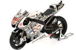 YAMAHA YZR-M1 - MotoGP Laguna Seca 2010 Jorge Lorenzo - Minichamps Scale 1:18