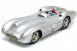 MERCEDES-Benz W196R Streamliner 1954 - CMC Scale 1:18 (M-127)