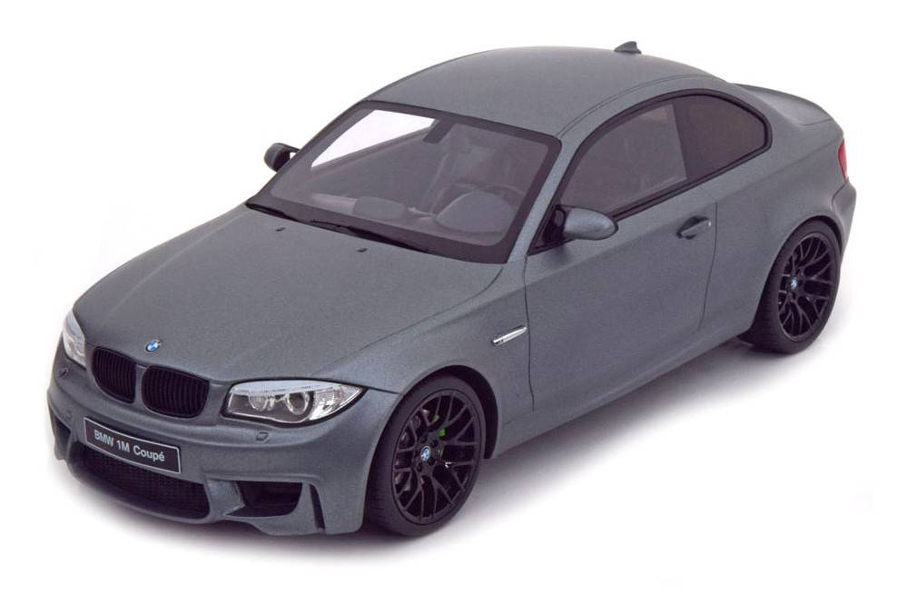 bmw m1 coupe e82 2013 gt spirit scale 1 18 gt709 racing modelismo. Black Bedroom Furniture Sets. Home Design Ideas