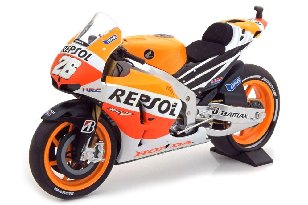 Honda rc213v repsol motogp 2013 dani pedrosa minichamps for Cascos motogp altaya