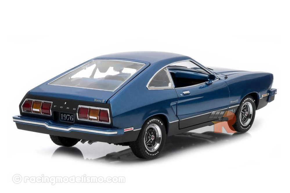ford mustang ii mach 1 1976 greenlight scale 1 18 12868. Black Bedroom Furniture Sets. Home Design Ideas