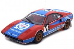 FERRRARI 308 GTB Gr.4 Tour de Corse 1982 Andreut / Biche - Otto Mobile Escala 1:18 (OT657)