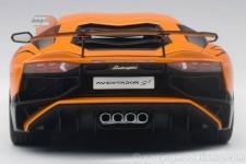 LAMBORGHINI Aventador LP750-4SV Superveloce Roadster 2015 - Autoart Escala 1:18 (74557)