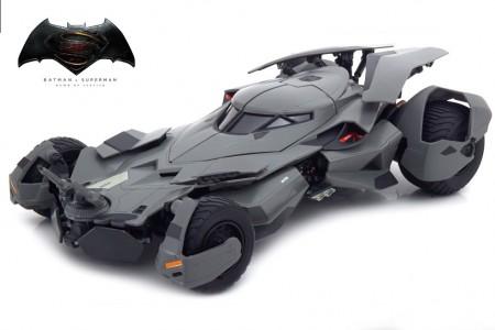 BATMOBILE Batman V Superman: Dawn of Justice 2016 - HotWheels Elite Escala 1:18 (CMC89)