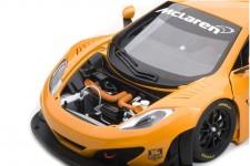 McLaren 12C GT3 Presentation 2011 - AutoArt Escala 1:18 (81340)