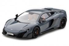 McLaren 675LT 2015 - AutoArt Escala 1:18 (76047)