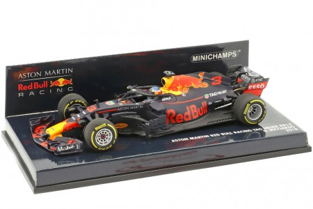 RED BULL Racing RB14 Formula 1 2018 Daniel Ricciardo - Minichamps Scale 1:43 (410180003)