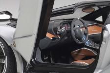LAMBORGHINI Centenario Roadster 2016 - AutoArt Escala 1:18 (79116)