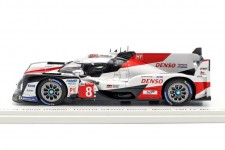 TOYOTA TS050 Ganador 24h Le Mans 2019 Buemi / Nakajima / Alonso - Spark Escala 1:18 (43LM19)
