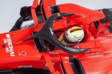 FERRARI SF90 GP 1000th F1 China 2019 S. Vettel - Incluye Vitrina - Looksmart Escala 1:18 (LS18F1019)